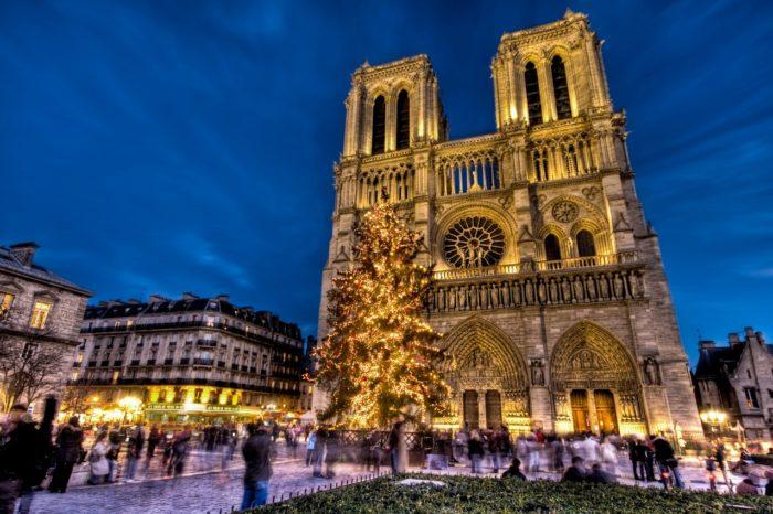 Під небом Парижа