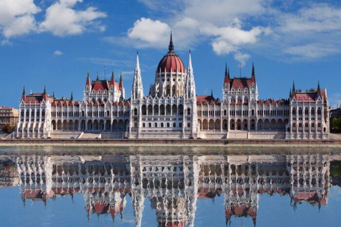 «Угорська гостинність: вино, термали і гуляш» виїзд з Києва